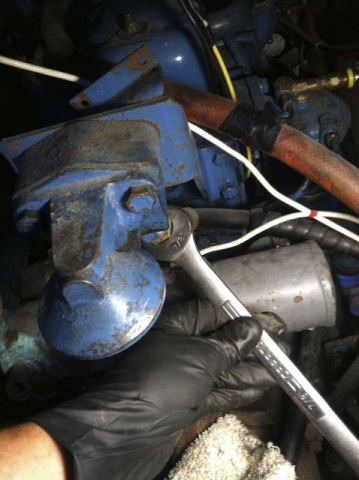 Removing the oil filter adaptor