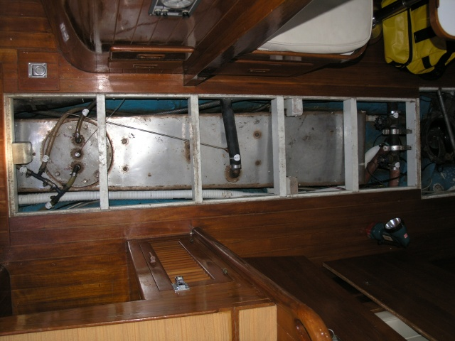 Stainless steel water tank on Tayana 37 Ramble On